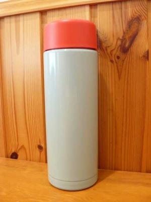 (名無し)さん[3]が投稿したKULLAR スチール製魔法瓶の写真