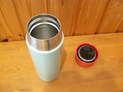 (名無し)さん[4]が投稿したKULLAR スチール製魔法瓶の写真