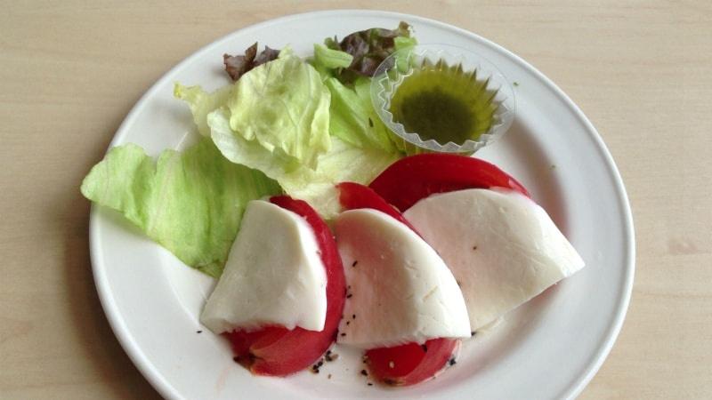 [2]が投稿したフレッシュトマトのカプレーゼの写真